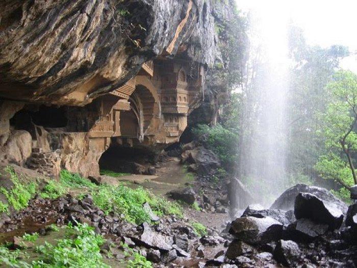 Kondana Caves - waterfall